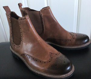 MENS CLARKS BATCOMBE TOP Dark Tan LEATHER CHELSEA BOOTS SIZE 9. WidthG Brand New