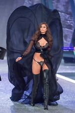 """Taylor Hill in a 11"""" x 17"""" Glossy Photo Poster 2016 paris"""