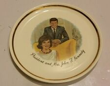 BEAUTIFUL VINTAGE PRESIDENT AND MRS. JOHN F. KENNEDY PLATE MEMORIES PLATE