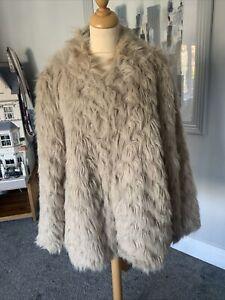 Ladies Plush, Luxurious Cream Faux Fur Coat With Satin Lining Size 18 Vgc