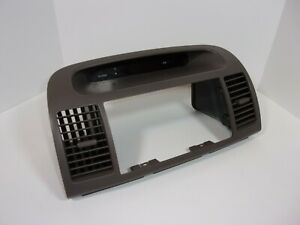2002 - 2006 TOYOTA CAMRY DASH RADIO BEZEL TRIM & AIR VENTS TAUPE (BROWNS) OEM