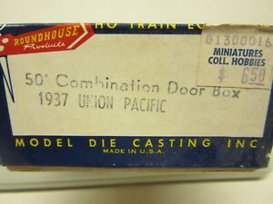 HO Roundhouse, #1937, 50' Combination Door Box Car, Union Pacific