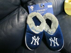 MLB Forever Collectibles Fuzzy Slippers New York Yankees Men's Size Small NEW