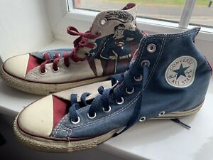 Pair Of converse size 7 Superman All Stars Shoes Trainers
