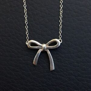TIFFANY & CO. Ribbon Bow Pendant Necklace Chain Silver Ag 925 Authentic