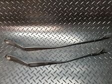Ford Mondeo MK4 2009 Pair of Front Wiper Arms  J67