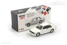 BMW M3 E30 (LHD) Alpine white - MINI GT 1:64 MGT00041-L