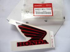 EMBLEME DE RESERVOIR (DROIT) moto HONDA CBR 900 RR 2002  ref:64851-MCJ-750 ZA