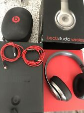 Beats by Dr. Dre Studio Wireless Over the Ear Headphones - Titanium  *issue*