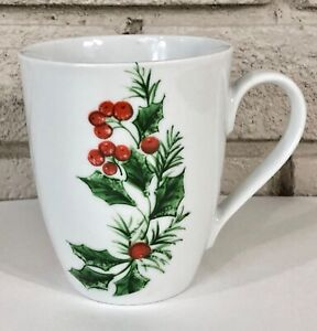 Gibson Housewares White Christmas Holiday Holly Berry Coffee Mug Cup Cute Clean