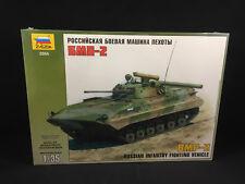 Zvezda BMP-2 Russian Infantry Fighting Vehicle 1:35 Scale Model Kit 3554 NIB