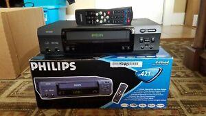 PHILIPS VR 421 CAT 4 HEAD VIDEO CASSETTE RECORDER VCR Instructions Box Remote