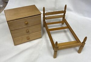 """Vintage Strombecker Wood 8"""" Doll Twin Bed and Dresser"""