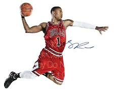Derrick Rose Chicago Bulls signed 8X10 inch photo picture poster autograph RP