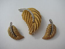 VTG. DESIGNER SIGNED 3D BELLINI FEATHER PAVE RHINESTONE BROOCH DEMI PARURE SET