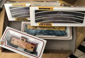 Bachman HO Scale 26 Piece SImplimatic Track, +Caboose +Box Car LQQK