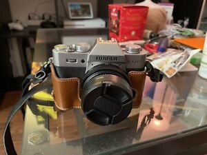 Fujifilm X-T20 Fotocamera Mirrorless + XF 27 mm f/2.8 + accessori colore Silver