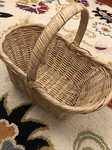 Small Wicker Shopping Basket Woven Handle Flower Girl Wedding Halloween Easter