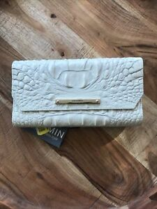 NEW BRAHMIN Tri Fold Wallet, Beautiful Cream Color Leather Gold Accents $175 NWT