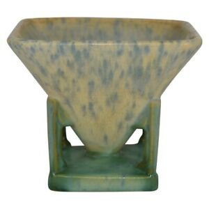 Roseville Pottery Futura 1928 Sand Toy Art Deco Vase 189-4