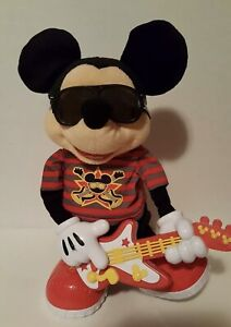 Fisher Price 2010 Mattel Mickey Mouse Rock Star Interactive Toy Sings & Dance