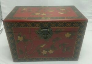 2006 BROYHILL HOME SOLUTIONS WOODEN BIRD FLOWERS TREE RED STORAGE BOX W/ LATCH