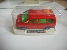Guisval Renault Espace in Red on 1:43 in Box