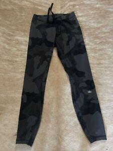 Alo Yoga Leggings Camo  Black Gray Camouflage Size Large high waist Activewear