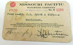 Missouri Pacific Railroad Company Employee Pass JL Hyatt Machinist 1920