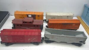 Vintage lot of 6 Lionel Lines Freight Cars (F23)