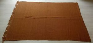 CITES CERTIFIED NWT BOXED 100% VICUNA WOOL SCARF. HAND WOVEN. NATURAL COLOR ONLY