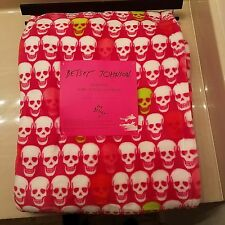 Betsey Johnson Oversized Plush Hot Pink Skull Print Throw Blanket 50 x 70