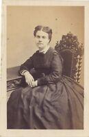 Retrato Un Mujer Por Vaillat París CDV Vintage Albúmina Aprox 1865