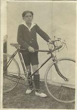 PHOTO ANCIENNE - VINTAGE SNAPSHOT - VÉLO BICYCLETTE CYCLISTE GARÇON - BIKE BOY