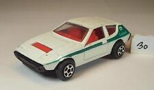 Playart ca. 1/64 Lotus Elite Coupe weiß 3 #030