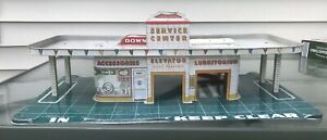 Vintage 1950's Tin Litho Marx Service Gas Station Lubrication Center With Ramp