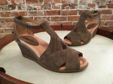 Earth Curvet Dark Khaki Brown Suede Peep-toe Wedge Sandals NEW