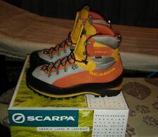 Scarponi SCARPA arancioni in gorotex n43,5 scarponi da montagna scarpe trekking