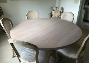 Neptune Solid Lime Oak Balmoral Round Dining Table