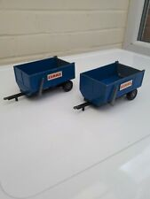 BRITAINS FARM TOYS ( 2X ) SCARCE CLAAS TIPPING TRAILER IN BLUE NICE
