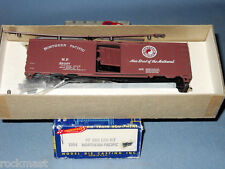 5743_MDC ROUNDHOUSE NORTHERN PACIFIC 40 FT HO SCALE BOXCAR UNASSEMBLED KIT  NOS