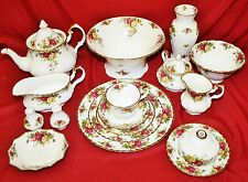 Royal Albert Old Country Roses  91 Pieces - MINT