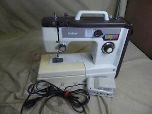 Vintage BROTHER Model VX710 PORTABLE SEWING MACHINE w/ Vinyl Cover/Case