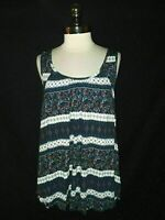 NEW TORRID Plus Size 2 2X Shirt Top Tank Blue White Red Floral Stretch