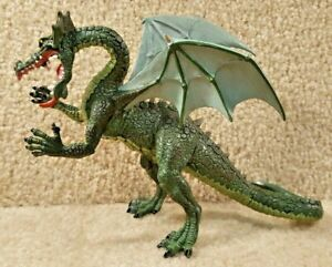 Plastoy Fantasy World Castle Medieval Mythical 5 Inch Tall Green Dragon  Figure