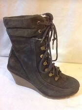 London Rebel Khaki Ankle Suede Boots Size 7