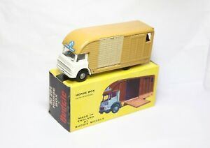 Budgie Toys No 294 Bedford Horse Box In Its Original Box - Near Mint Vintage