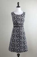 TALBOTS $129 Embroidered Floral Ribbon Waist Lined Shift Dress Size 10 Petite