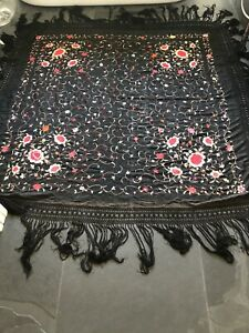 VINTAGE 1920'S BLACK EMBROIDERED PIANO SHAWL