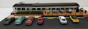 NEW BUILT HO ROADSIDE DINER RESTAURANT 4 TRAIN LAYOUT PEOPLE AUTOS WALTHERS NICE